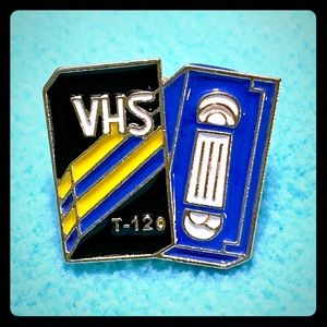 Retro 80's VHS 📼 tape pin! New.